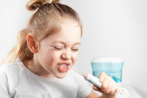 livonia children brushing teeth